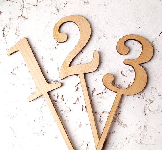 Numéro de table en bois 1 - Blog Mariage