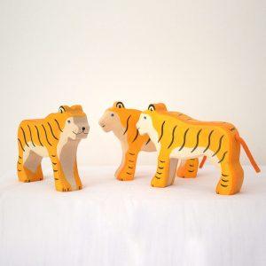 figurine-en-bois-tigre