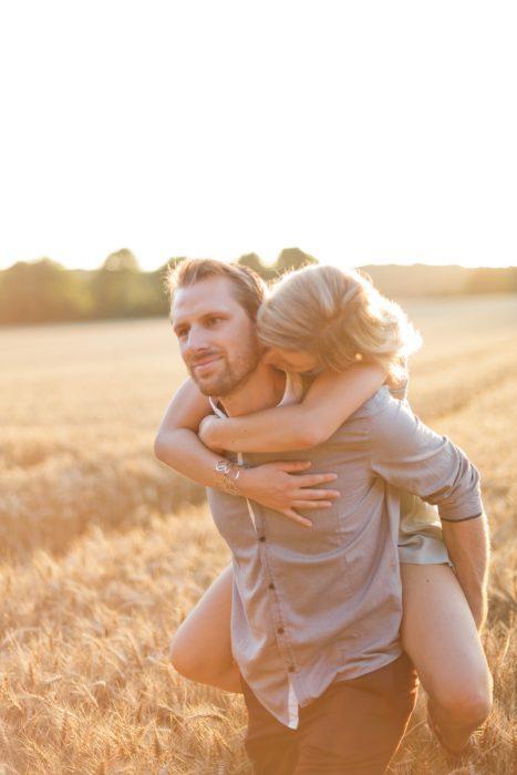 Love Session dans les champs de blé Love Session M&W dans les champs de blé 47 - Blog Mariage
