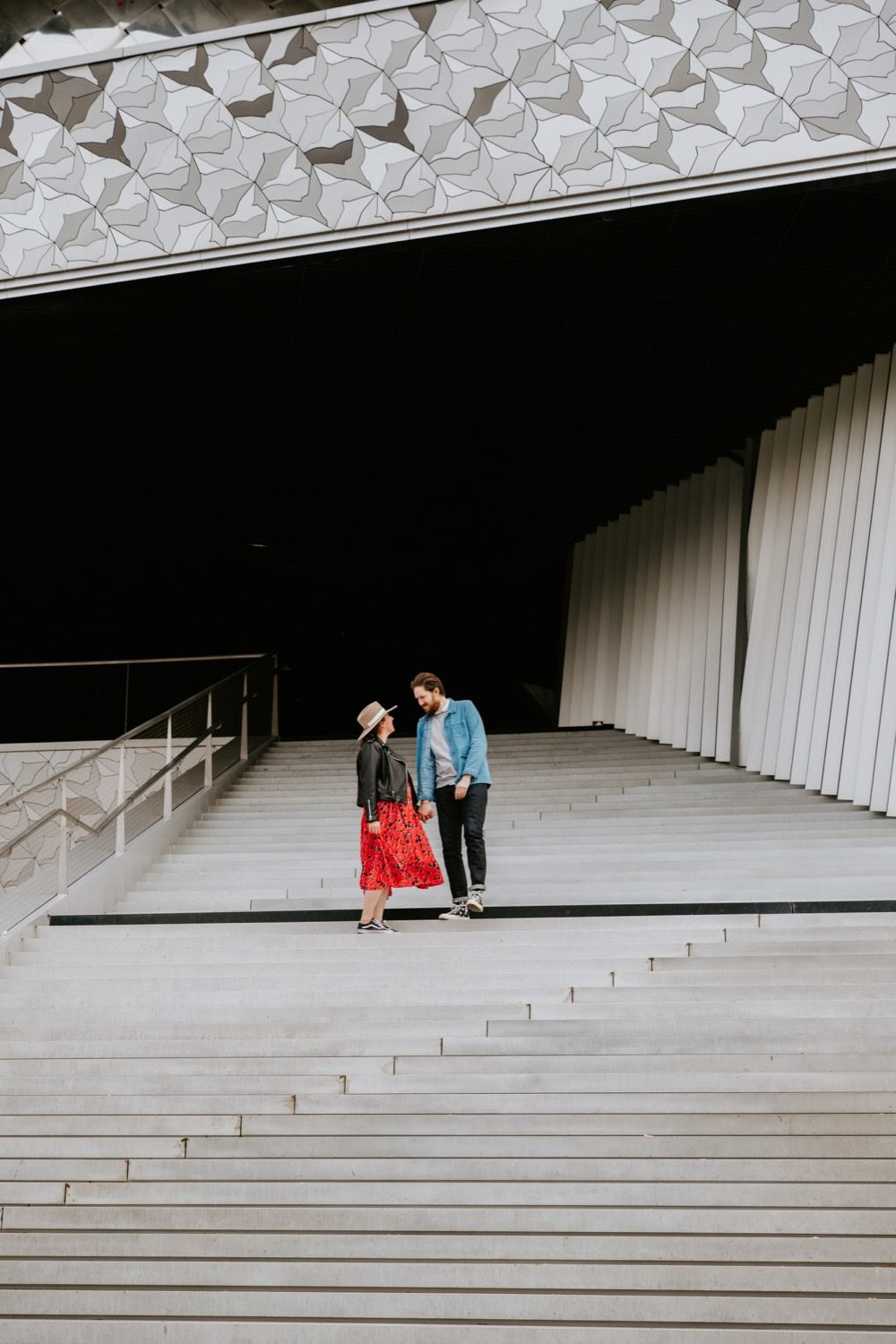 séance couple à paris,philharmonie Love Session à Paris - Julia & Max 36 - Blog Mariage